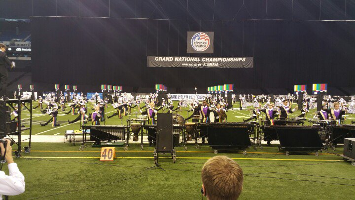 Blue Springs HS, MO Do Not look at the TVs! Love this show #boanolimits #boa2015 https://t.co/Y4092yuQuv