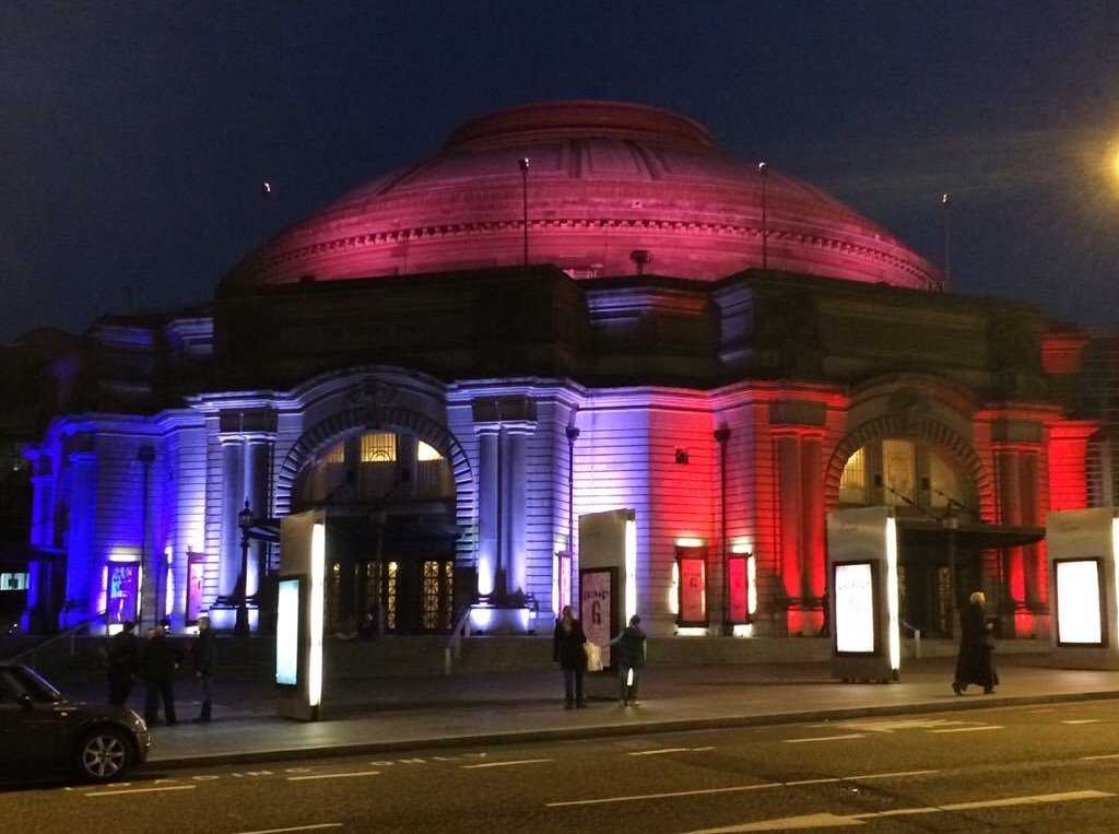 The Usher Hall is now red, white and blue #edinburgh https://t.co/DfteCjYUAg