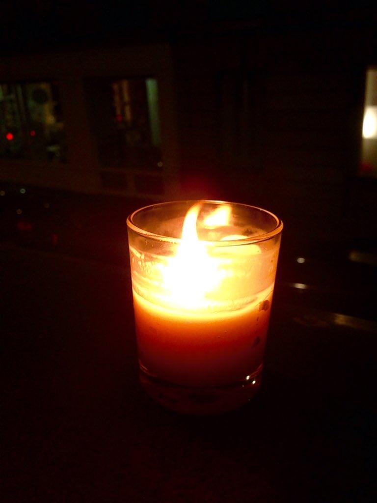 ce soir une bougie au fen tre pour les victimes de l On une fenetre une bougie