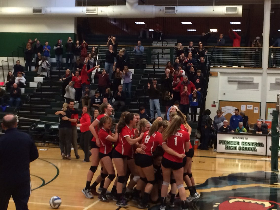 Clarence wins in 5 and will play in the state finals next weekend #preptalklive #roadtostatws https://t.co/ow8iyMu71Q