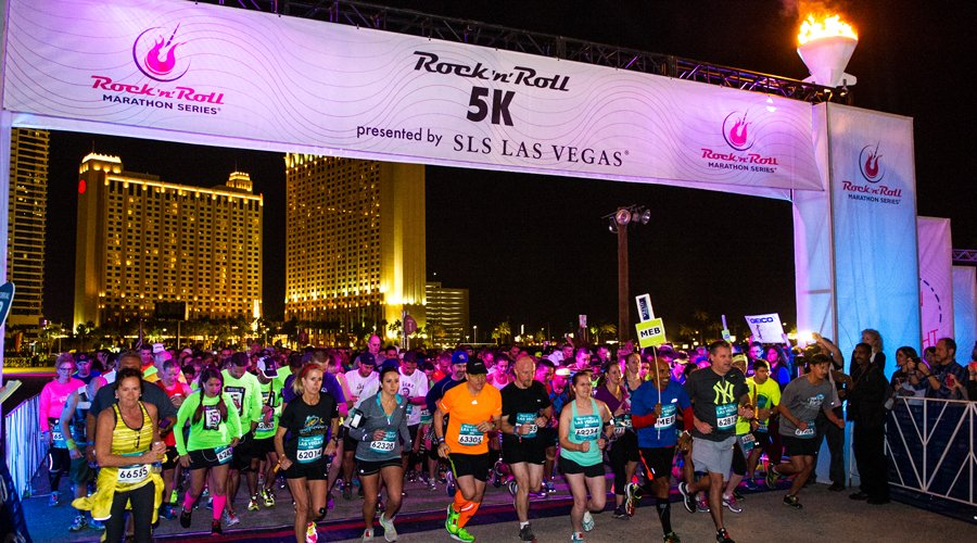 Don't get stuck in traffic this weekend due to road closures for the @RunRocknRoll Marathon https://t.co/2aGvtVstDX https://t.co/zlurgBlz8B