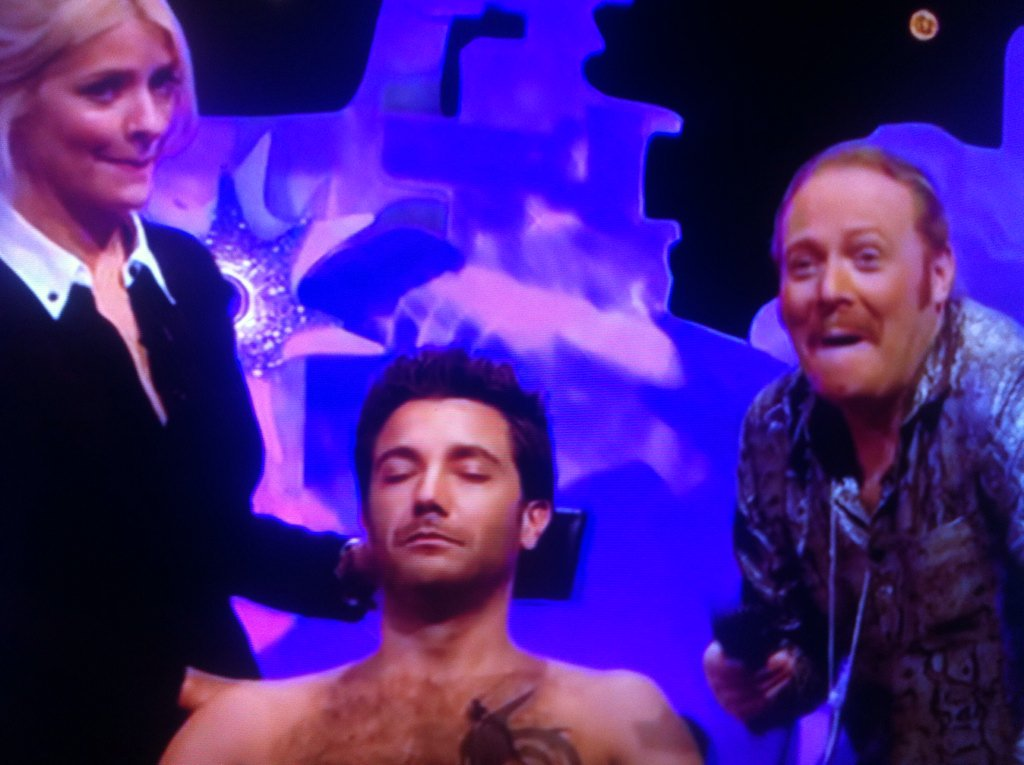 RT @nikeylad33: What a great sport you finally shaved your ed 👏🙊 please follow me @Ginofantastico @lemontwittor see you at xmas https://t.c…