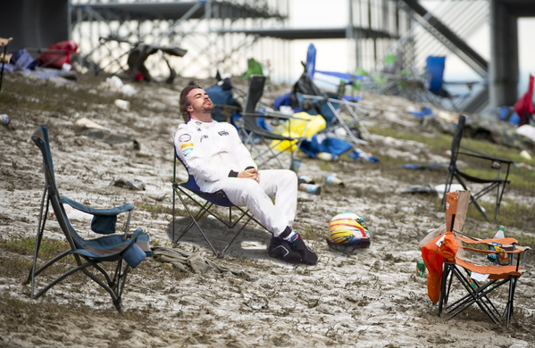 Of all the #PlacesAlonsoWouldRatherBe, America's providing a nice backdrop for channeling inner zen @alo_oficial https://t.co/UoJXrd953X