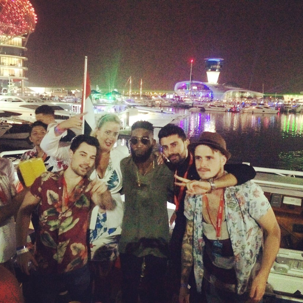 RT @mahiki: 🌴🚥⛵️The fabulous @TinieTempah joining our paradise yacht party trackside at the Abu Dhabi Grand Prix last night 💛 https://t.co/…
