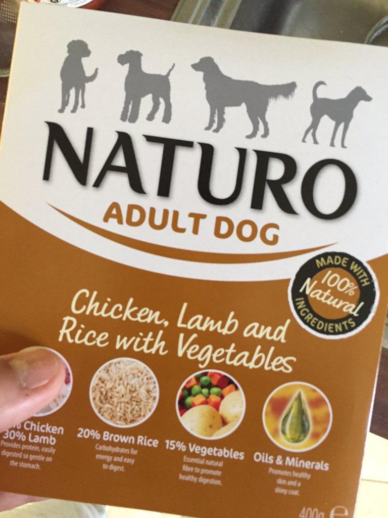 Finally found a dog food that agrees with nova! @naturopetfood 🙈 #finally #lesspoo https://t.co/XNL9IWhKo5