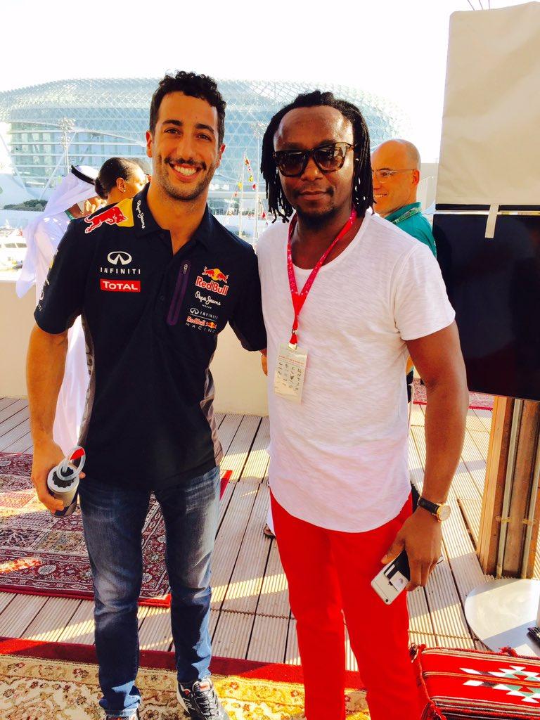RT @iamfreddieachom: Race day with the @redbullracing @TinieTempah @KevinHart4real @Ludacris #sundayfunday #AbuDhabiGP #F1 https://t.co/Zw4…