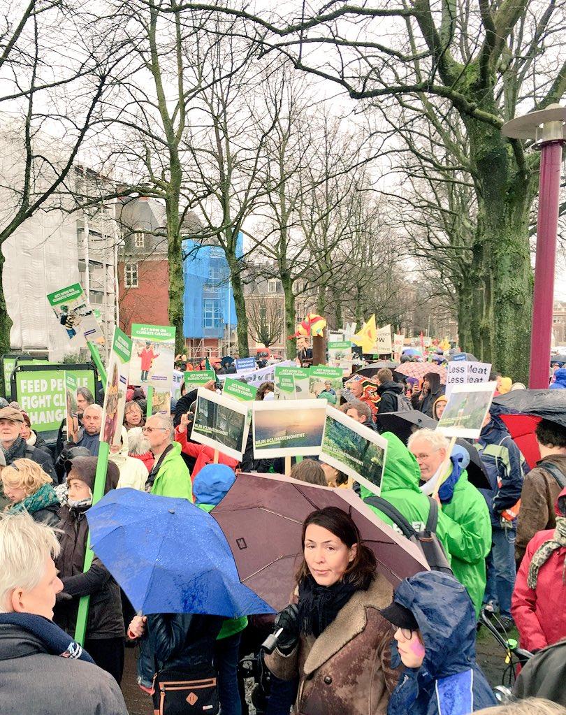 #klimaatparade #klimaat @greenpeace @GreenpeaceNL @oxfamnovib https://t.co/7U5kgRAsws