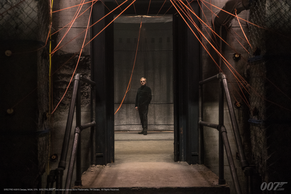 """RT @SonyPicturesUK: #SPECTRE Costume Designer Jany Temime on Oberhauser's jacket: """"It is soft like a cat and the shape is so simple"""" https:…"""