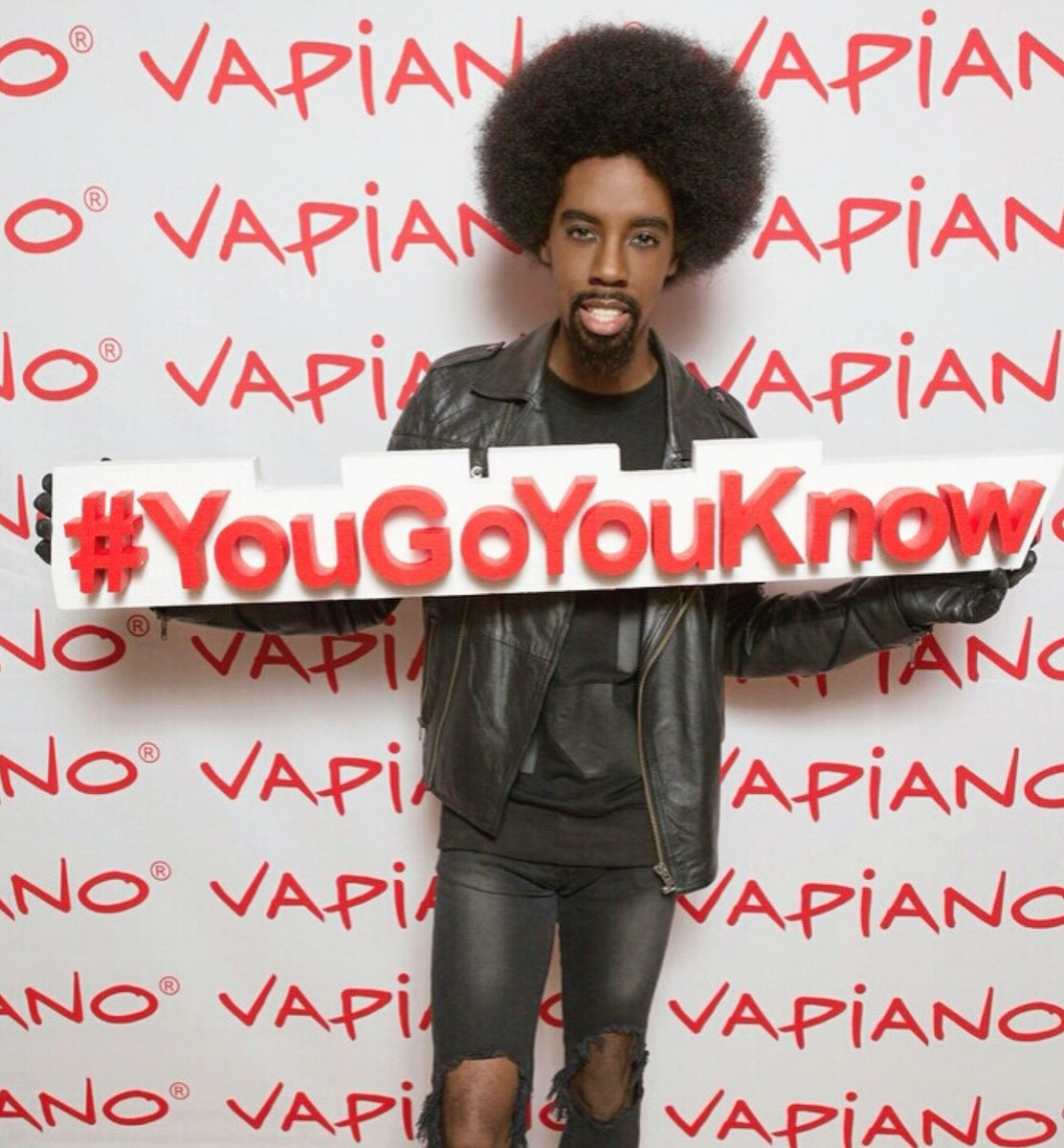 Had a great time at the launch of @VapianoUK (@RiskCouture #InThoseJeans • @tenmenclothing • @Topman) #YouGoYouKnow<br>http://pic.twitter.com/p72P6MxFwg