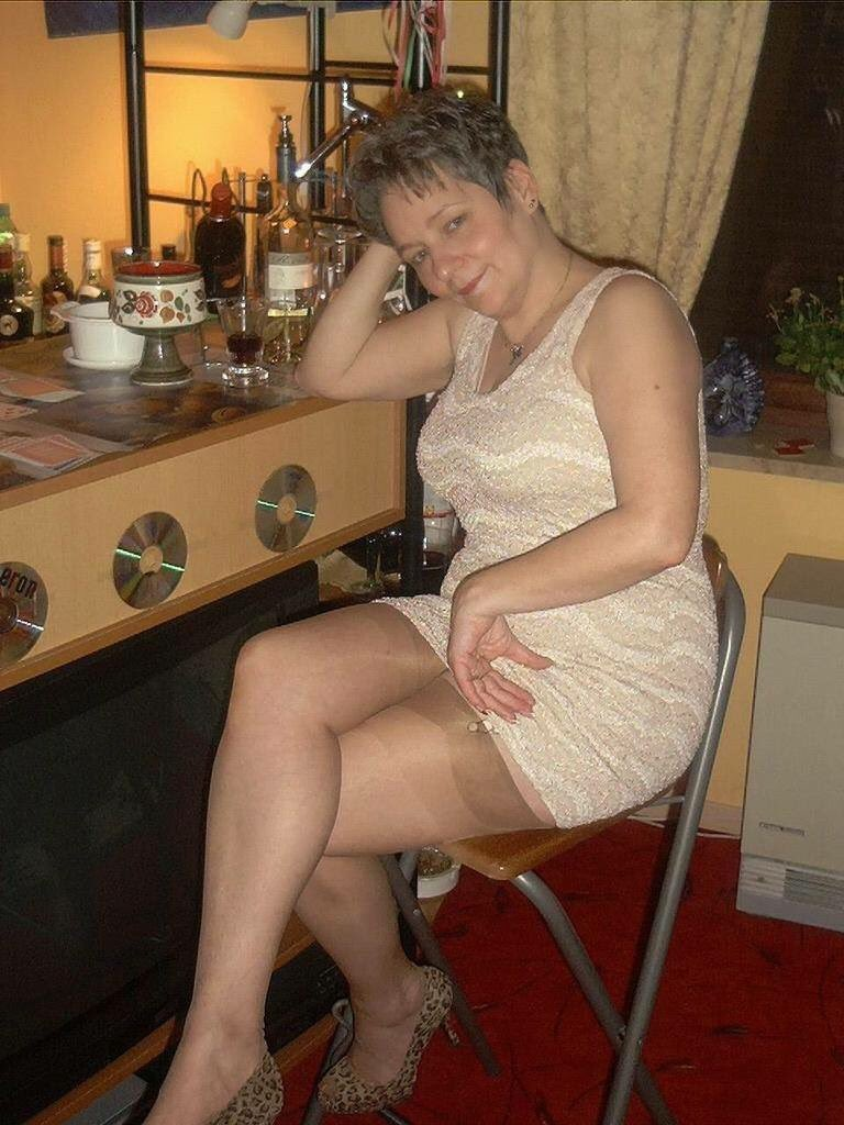 charenton milf women Local bourgogne swingers and dogging sex contacts  i am very loving and very cearing boy i looking loving and cearing women france,  milf online chat.