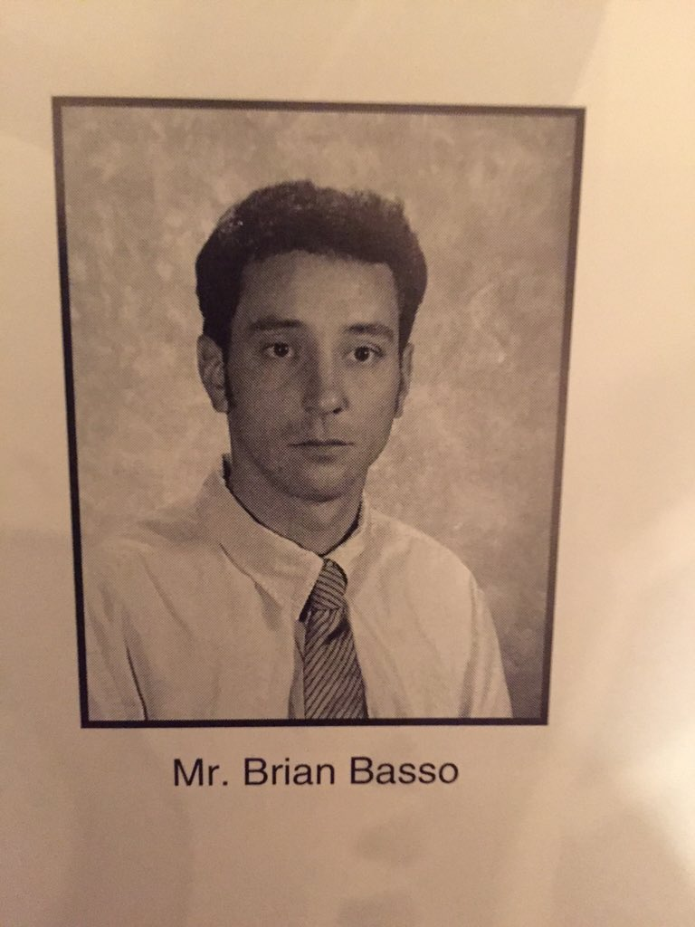Ogp On Twitter That Moment You Realize Your High School Teacher Looks Like Ted Mosby Officialhimym Itsbrostinson Doppelgangers Https T Co Abxewrunqz