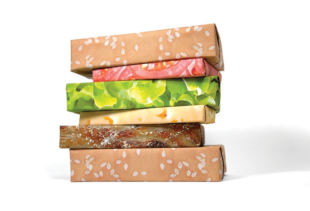 RT @UberFacts: There is photorealistic wrapping paper that will make your stacked Christmas gifts look like a cheeseburger. https://t.co/NI…