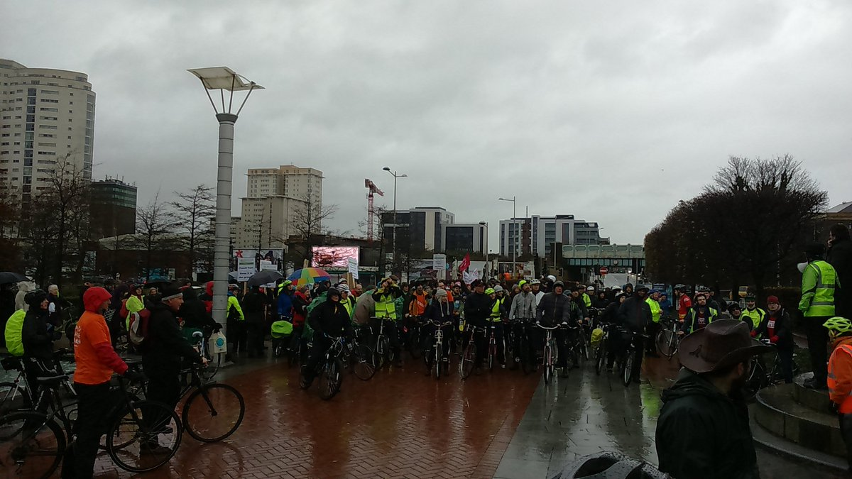 Great turn out to pedal for the planet #COP21 @SCCCymru https://t.co/aIRnl1zE06