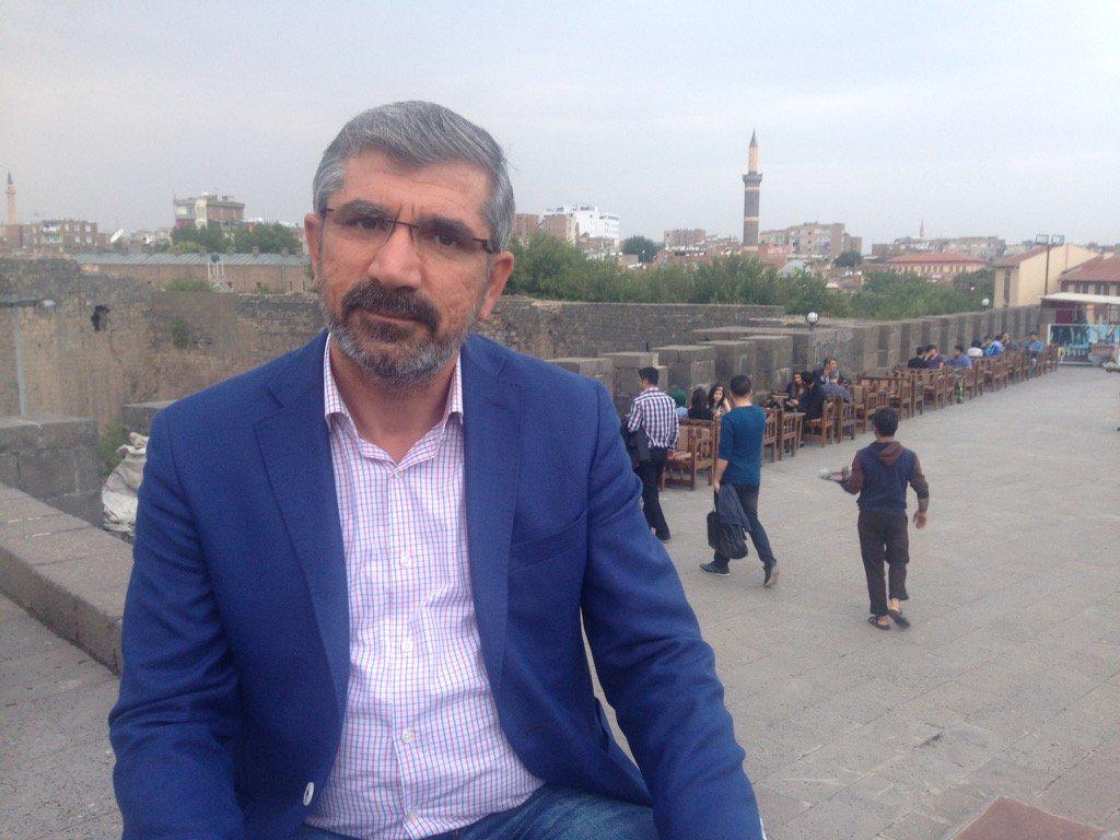 In memoriam Tahir Elci. Such courage. A lovely man. A good citizen of Turkey. A proud Kurd. Shot dead. https://t.co/maZseQM1Av