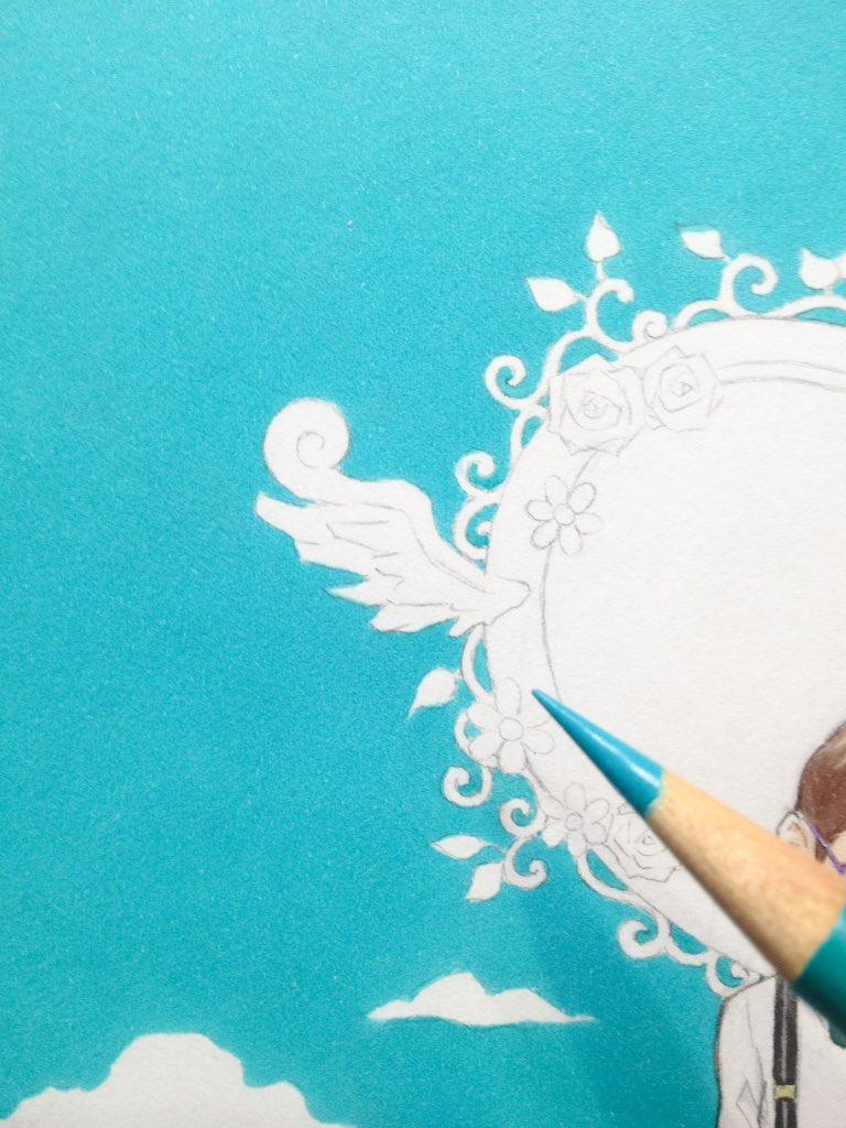 マーカーによる色ムラを色鉛筆の重ね塗りで消す技法。コツは根気。