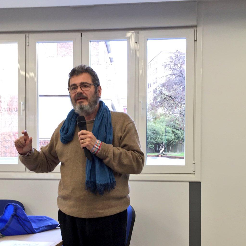 El profesorado debe vivir la innovación como un proceso de cambio personal @pepegiraldez mesa 5 #PremioBilbaoFT https://t.co/aUrva6DP0N