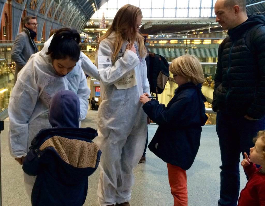 The teams writing suits are filling up with public voice & words #Dress4OurTime @StPancrasInt https://t.co/IsiupkaRXE