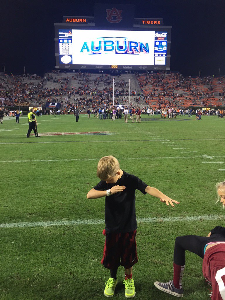 Was awesome having Knox in Cam's house. #Dab https://t.co/ufBi0qv744