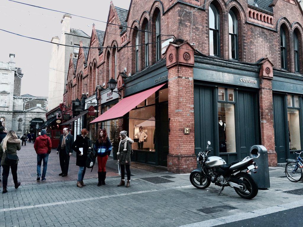 Dublin in November: hats, scarves, Guinness bricks and good craic #LoveDublin https://t.co/fw0Lt50ARr