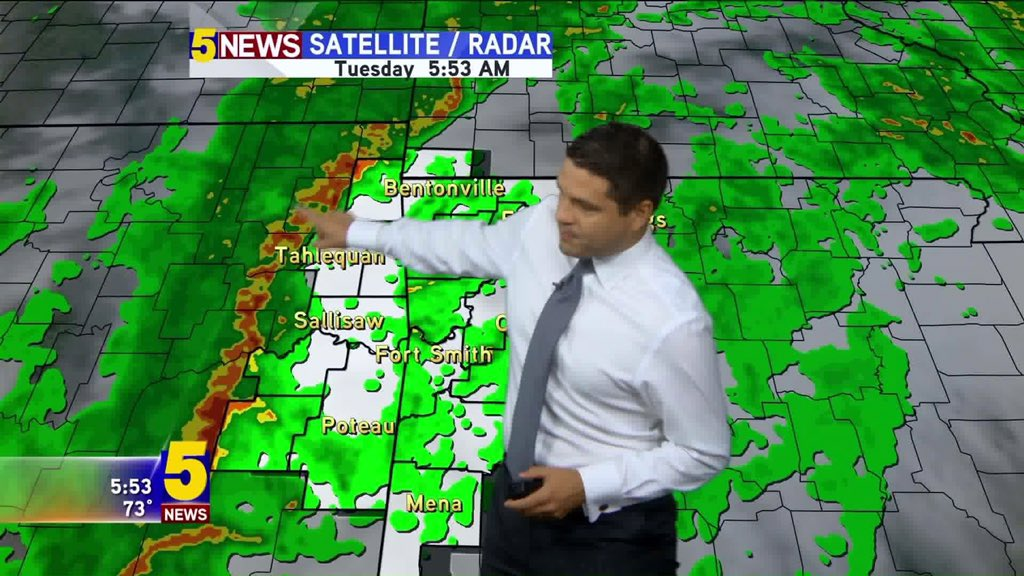 Heavy rain & strong storms will rumble in for the morning drive. @5NEWSJoe has the latest on 5NEWS This Morning https://t.co/ICVvLpCzFD
