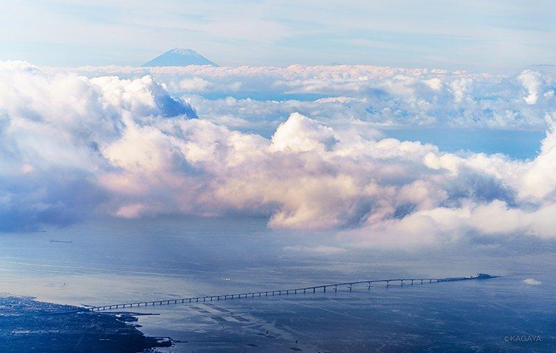 富士山と東京湾アクアライン。(昨日撮影)今日もお疲れ様でした。明日も素敵な一日になりますように。 pic.twitter.com/feWTr3lkrI