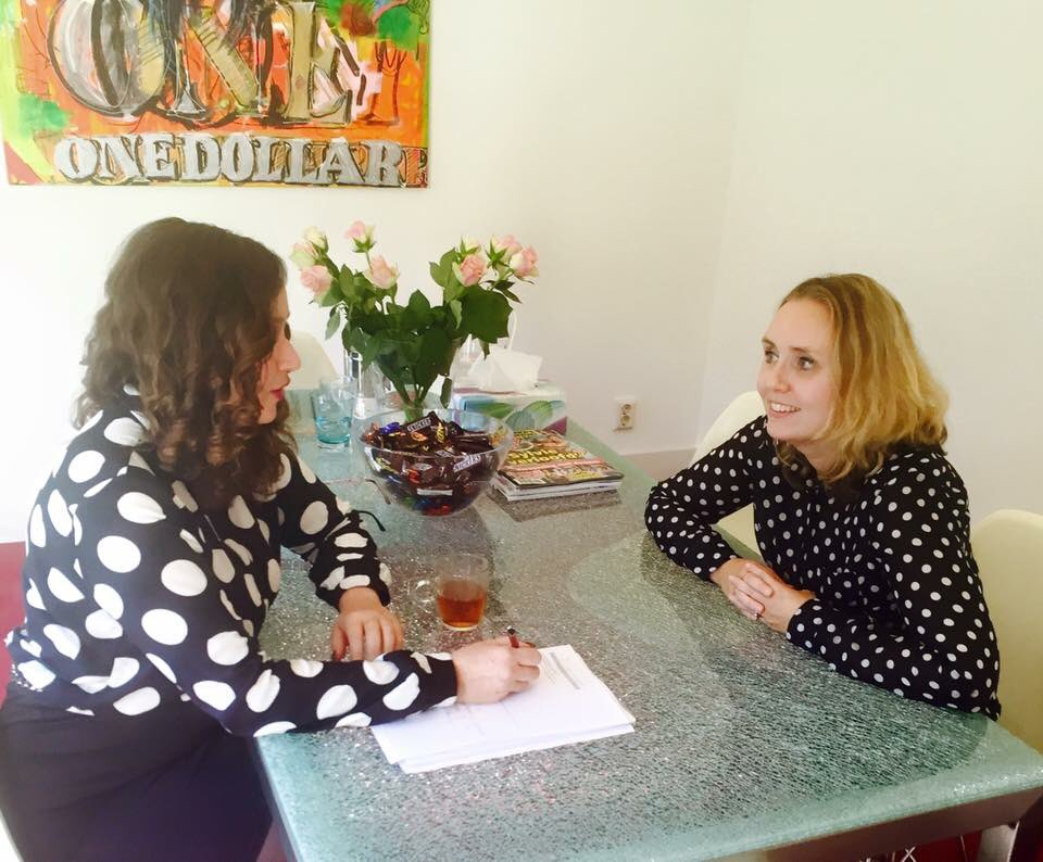 Conchita van rooij on twitter een van mijn angel 39 s op kantoor natasja van voorst office - Secretaresse witte ...