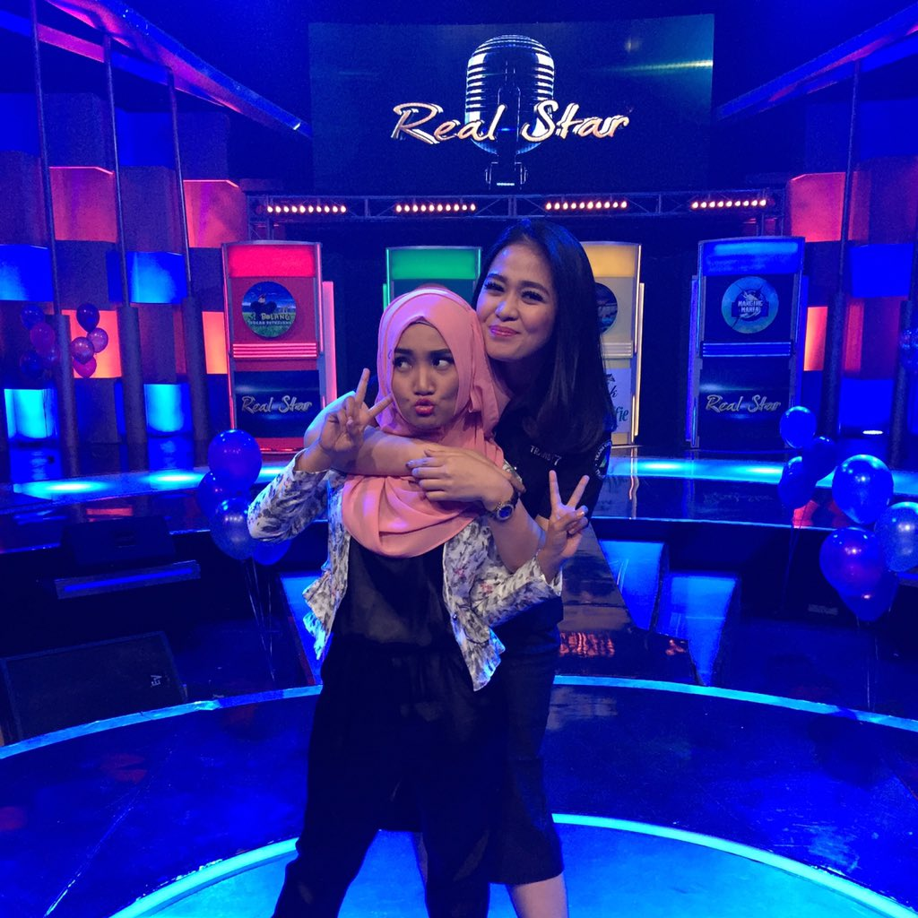 @realstar_t7 road to HUT Transmedia ke 14 .. Tunggu tanggal mainnya ya bareng @FatinSL https://t.co/S2HoXAySbl