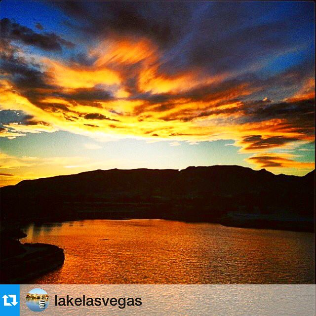 Our #sunsets in @LakeLasVegas are better than yours. #TravelTuesday #TravelNevada #NVTourism https://t.co/Cx4F9Nss3E https://t.co/Qp6KMcECIn