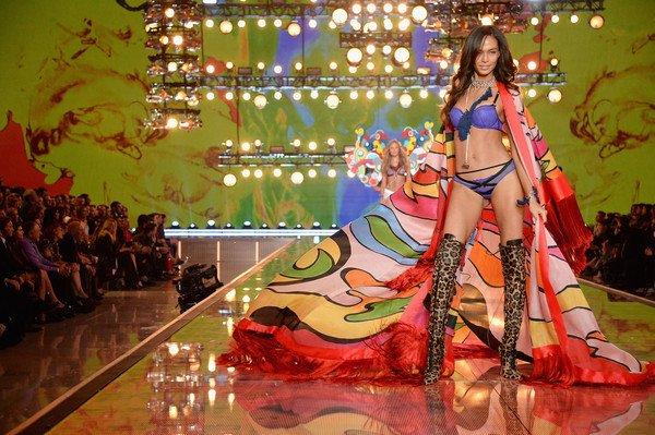 932d7b1837a Joan Smalls in Boho Psychedelic segment at the 2015 Victoria s Secret  Fashion Showpic.twitter.com bLgnPsyqhq. 5 05 PM - 17 Nov 2015