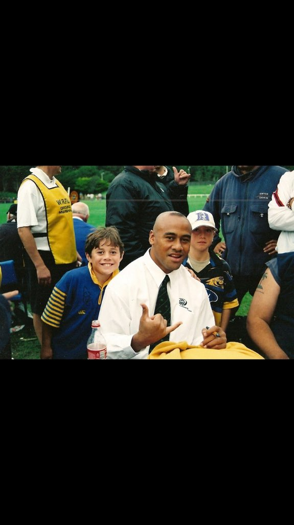Since I was a little boy all I wanted to do was be like you.!! Thanks for the memories big man #RIPLomu https://t.co/u6Jm267LI1