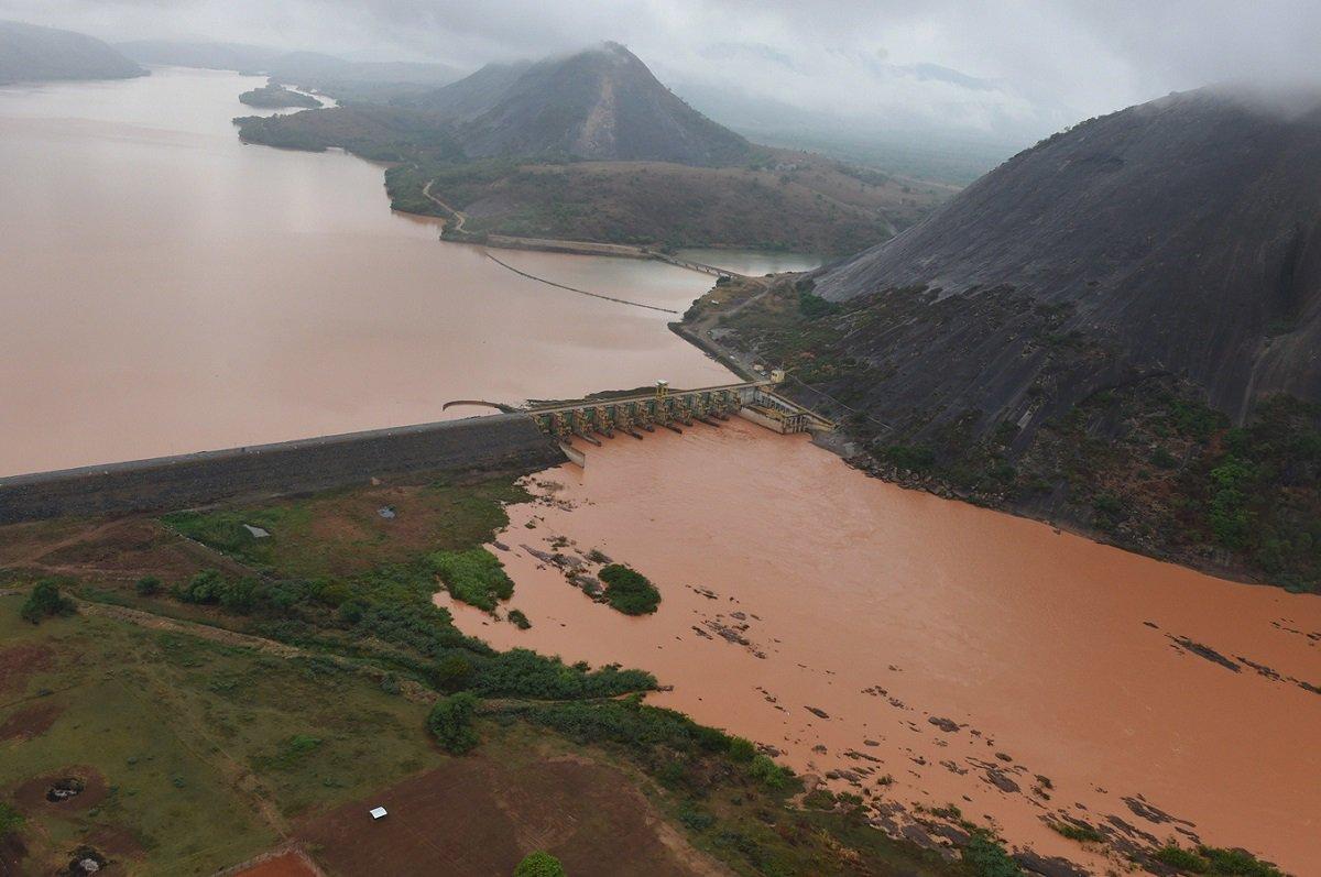 Ibama prevê que lama chegará ao Oceano Atlântico na sexta-feira. https://t.co/M92T1yrNBC