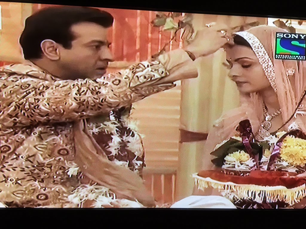 @PallaviKulk @RonitBoseRoy You guys had such amazing chemistry!!! Aaaah how much I'll miss this beautiful couple