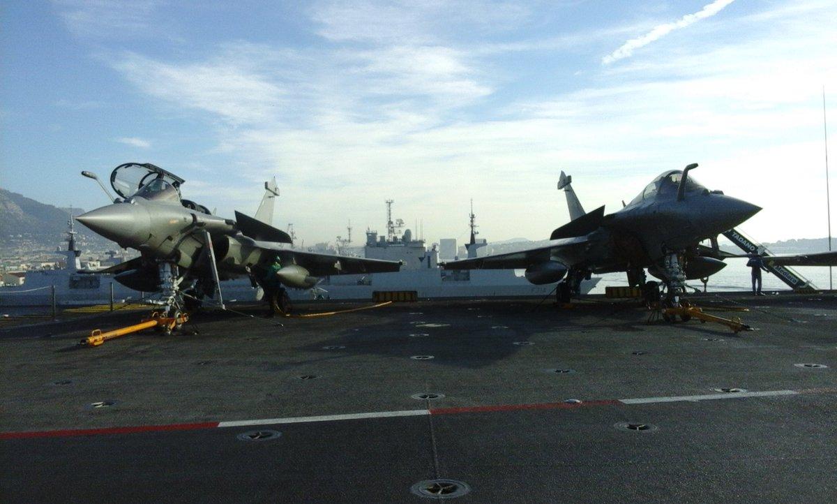 28 avions de combat, 5 hélico, 2000 soldats : le porte avions Charles de Gaulle part en ce moment pour la Syrie