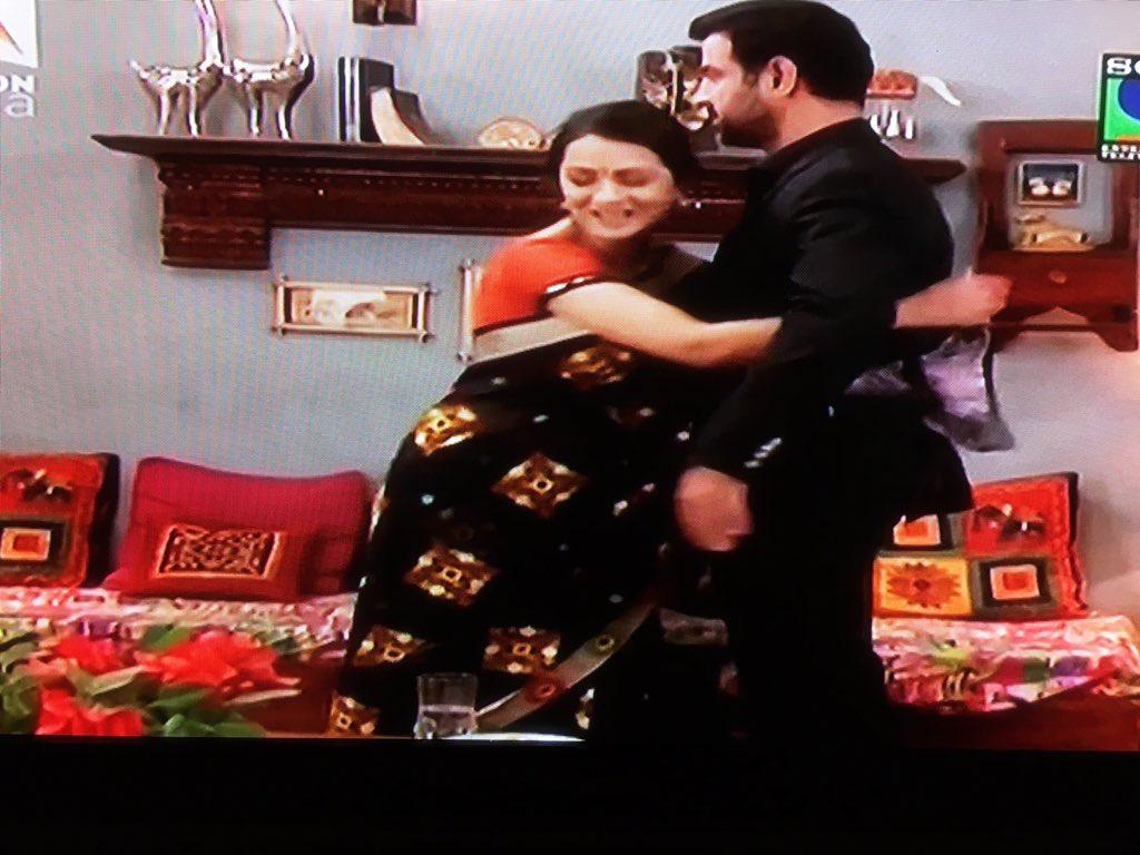 @PallaviKulk @RonitBoseRoy The last hug