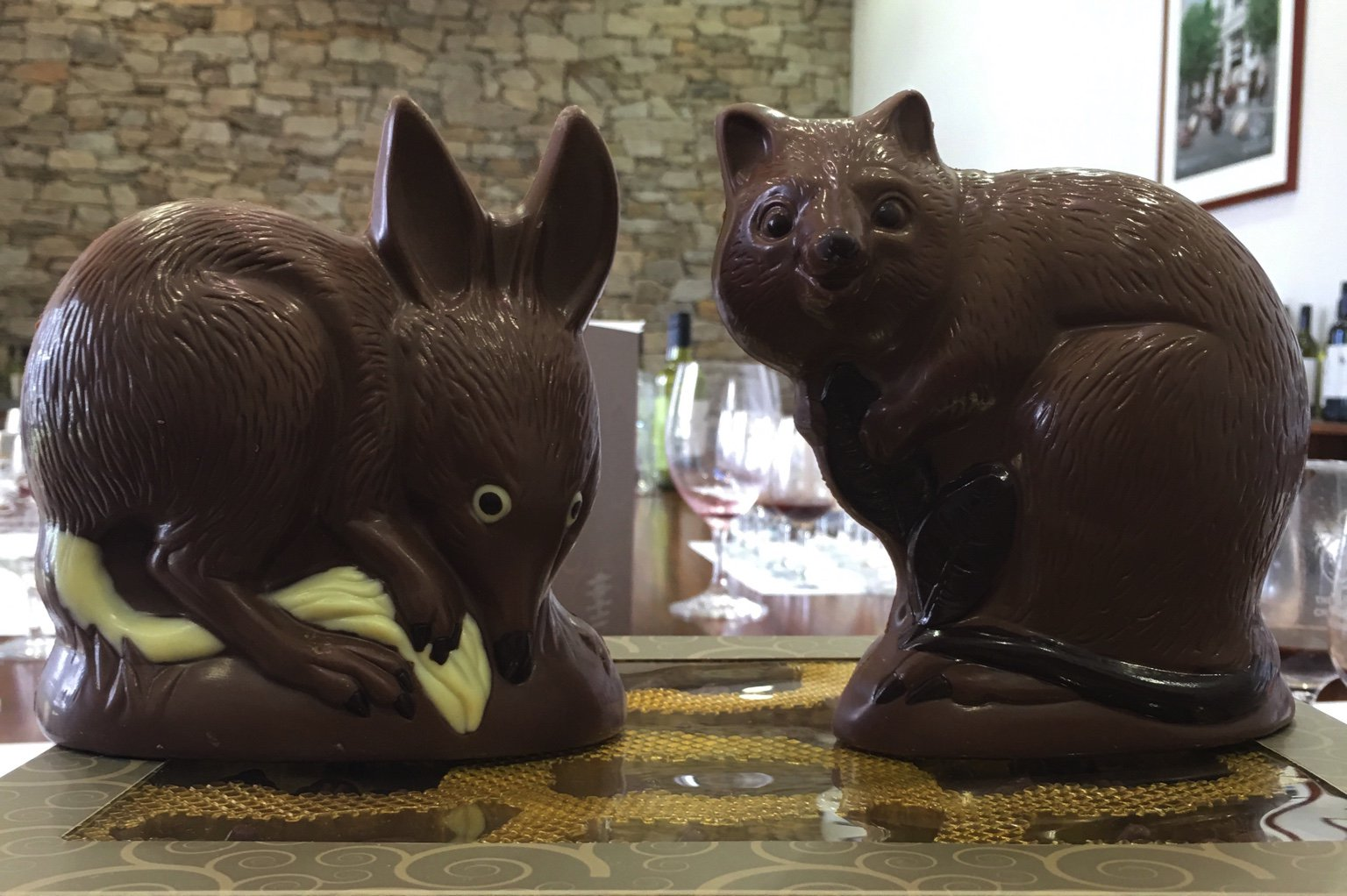 Chocolate quenda & chocolate quokka - hand moulded by us. Highly pleasurable. Deep thanks to @CowardandBlack https://t.co/enBVmX6nz6