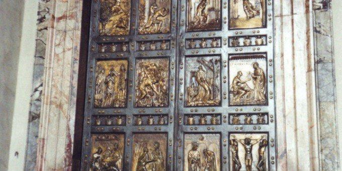 #Giubileo, la Porta Santa di San Pietro sarà aperta l'8 dicembre alle 9:30.