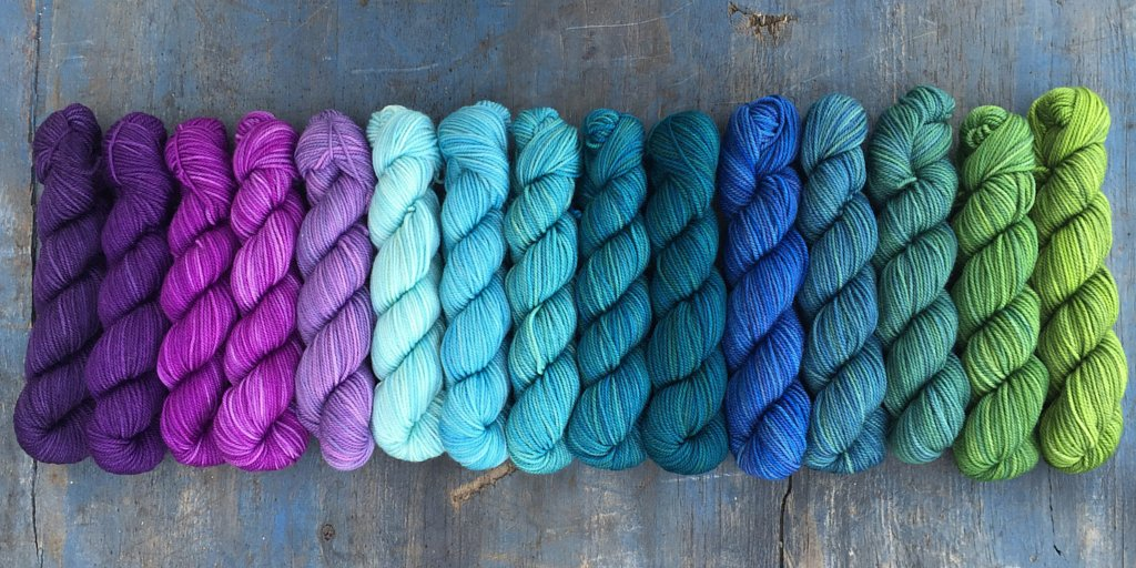 The cool rainbow of SweetGeorgia Party of 5 mini skeins makes me want to play hooky & go #knit! @HeySweetGeorgia https://t.co/iKKzFUvyk3