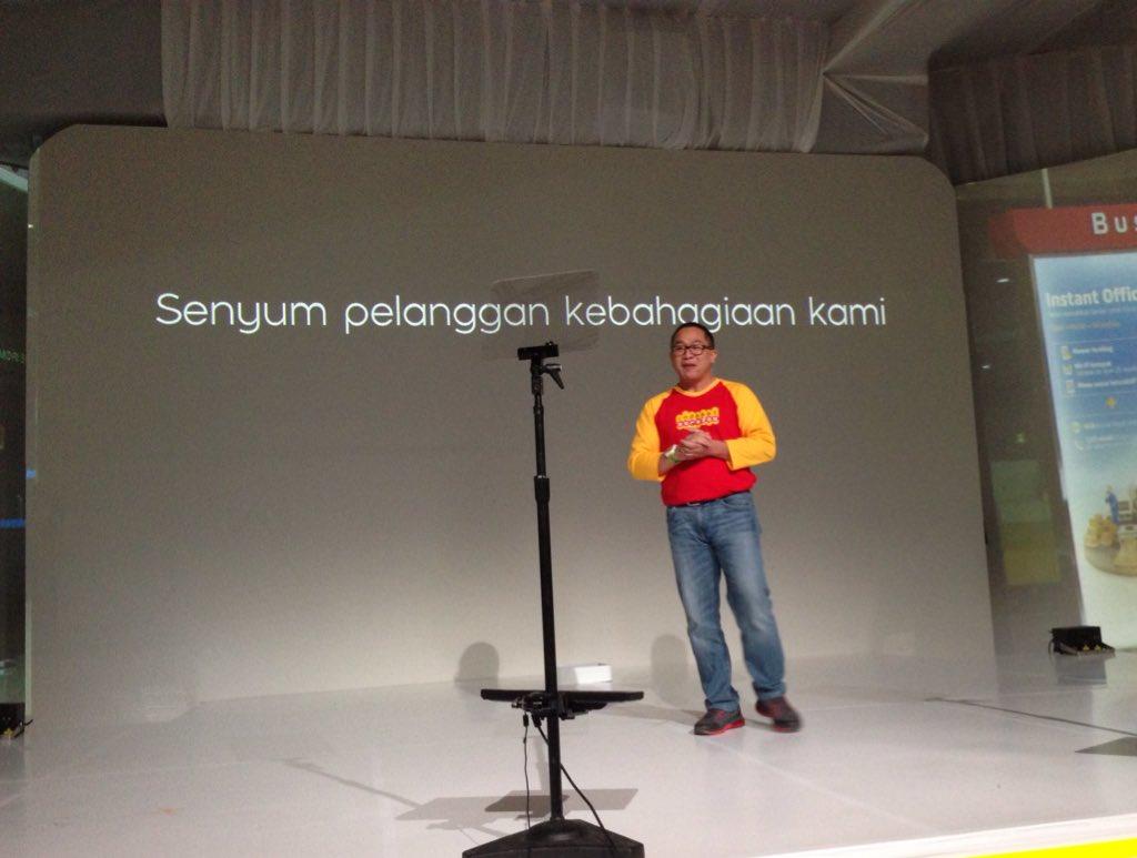 Alexander Rusli, CEO Indosat Ooredoo membuka perubahan ini dgn menjelaskan dunia digital lebih dari konektivitas