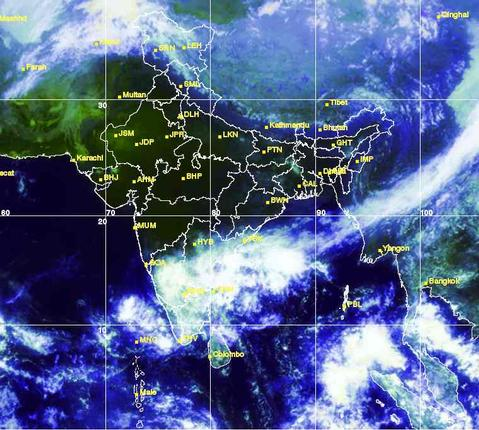 #Chennai : Be prepared for more #rain #Monsoon https://t.co/L5NL2jnQys https://t.co/2zYEo5HFQd