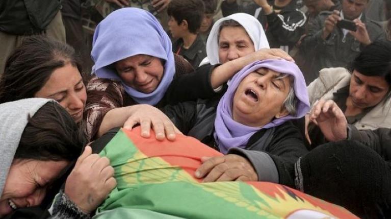 Un charnier de 78 corps de femmes yézidies tuées par #Daesh découvert en Irak https://t.co/quKca3PtAX https://t.co/x6VVaXdbWm