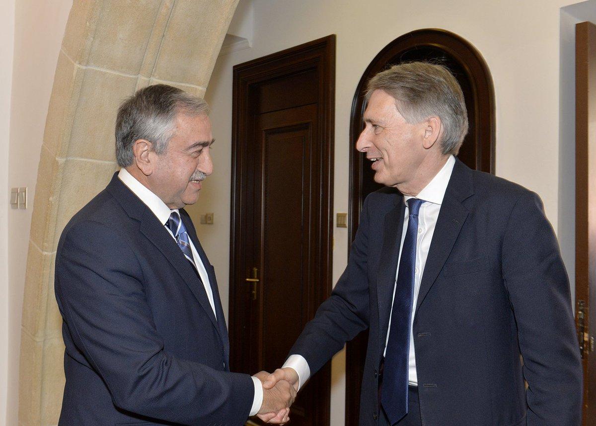 President #Akıncı received UK Foreign Commonwealth Secretary #Hammond to discuss #CyprusProblem & beyond @UKinCyprus https://t.co/2TYDLuQcWe