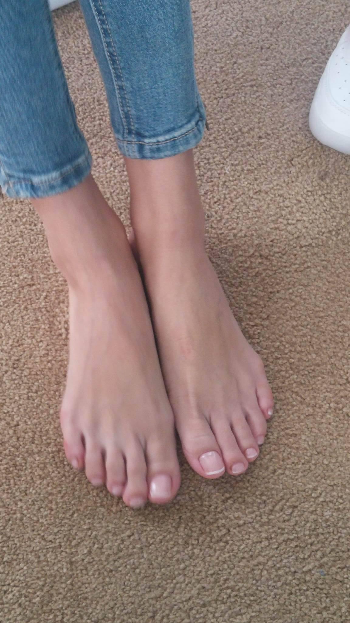 AdrennaLyne on Twitter: Somebody into #footfetish? RT if