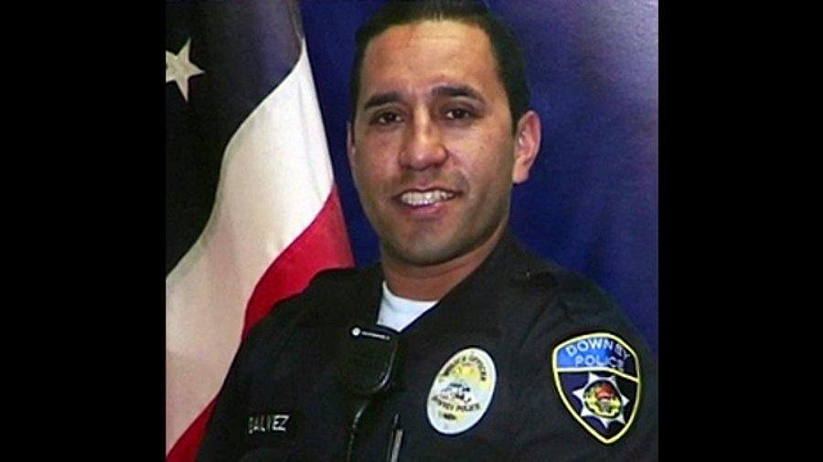 California Police Officer Fatally Shot in Ambush https://t.co/76lHMlqt1z https://t.co/q8RfLYbI1a
