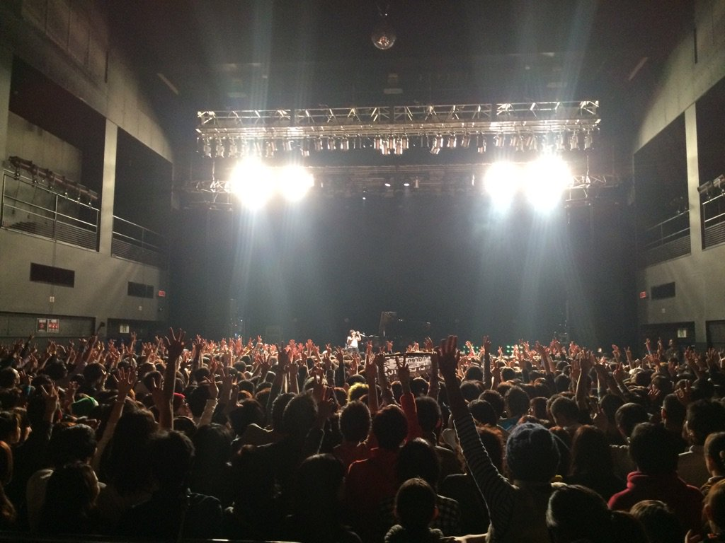 ZEPP札幌お越し頂いた皆様、ありがとうございました。  忘れられない、素敵な夜をくれたMr.Childrenさん、本当にありがとうございました。  また必ずや「北の国」にやってきます。  #ミスチル #小谷美紗子 https://t.co/8A9RjtY8zd