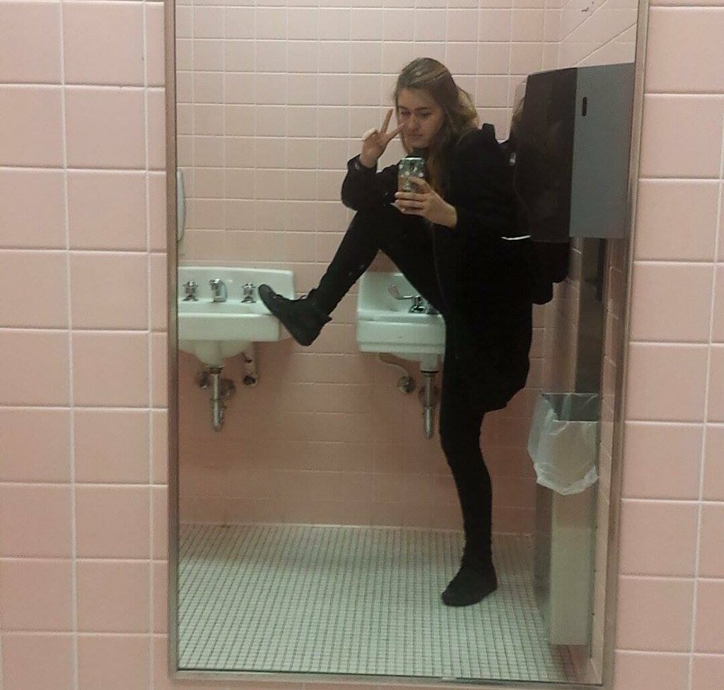 Bathrm Selfi On Twitter Will You Petition For More Bathroom Mirrors Foot Sink Selfies Let This Selfie Be Your Inspo Ty Lazymacbeth
