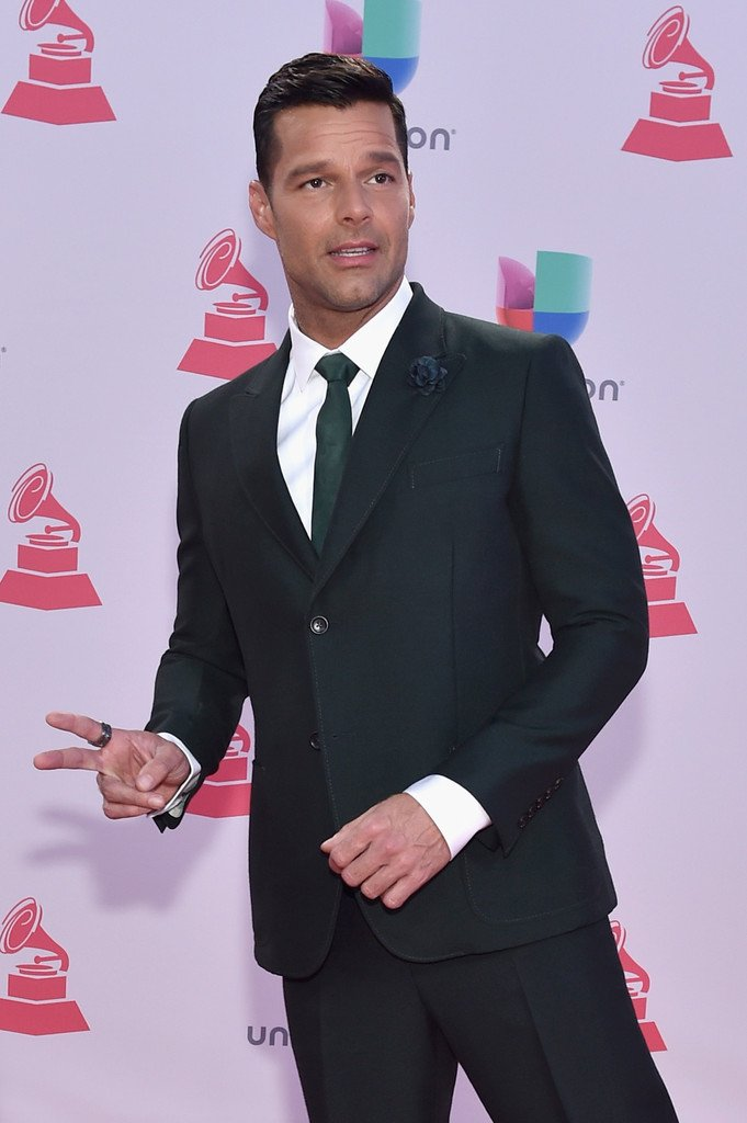 @ricky_martin  16th Latin GRAMMY Awards - Arrivals PHOTOS ( via ZIMBIO)  https://t.co/vgmTGI7NjY … https://t.co/3dIqzsUtoI