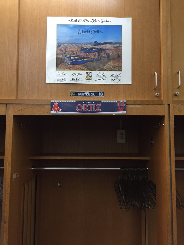 By request of Ortiz himself, his locker will be occupied by no other than @THunterJr #GoIrish #ShamrockSeries https://t.co/kVeEpcxS7M