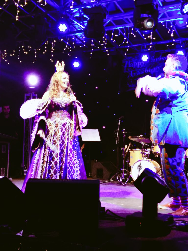 Our Panto dream team @SamBaileyREAL @Andyshowbiz  entertaining the masses at #AyXmasLights Christmas is coming!! :-D https://t.co/pZr0yCJYq3