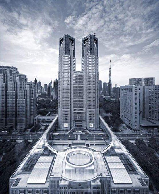 都庁は風水的に完璧な建築だったらしい「リアル帝都物語」「CLAMPか」