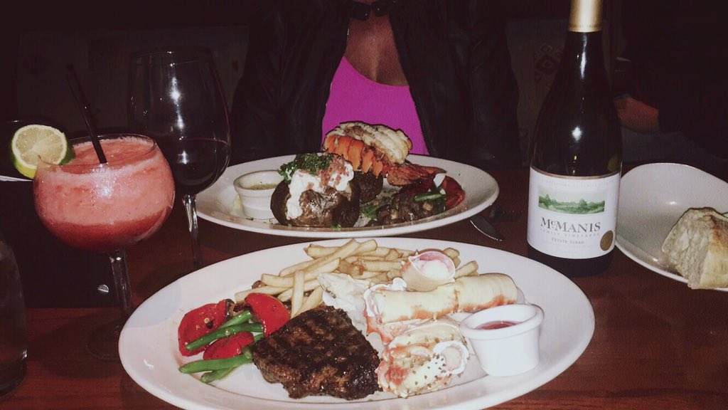 Twitter post: RT @breannasundberg: @TheKeg 🍾💕😛 https://t.co/tFFp0LfG24…Read more. Opens full post in an overlay